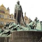 La Plaza de la Ciudad Vieja en Praga: Jan Hus y los husitas