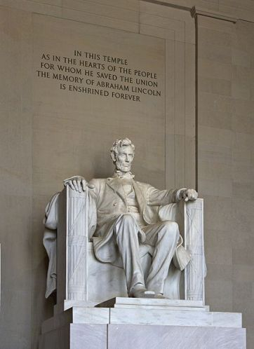 estatua-de-lincoln-en-el-national-mall